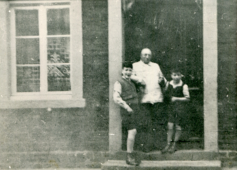 Alfred, Jakob und Kurt, Steinstraße